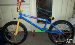 Im selling my near new custom 2013 sunday bmx, ive used