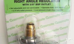 Gasmate right angled LPG regulator to suit all POL gas