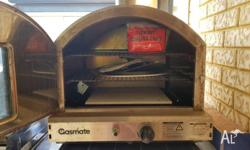 Gasmate Pizza oven - Needs a good clean, has rust marks