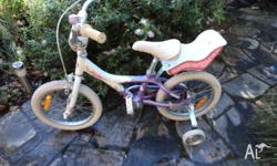 "GIANT HOLLY 16"" GIRLS BIKE. Excellent Condition. Purple"