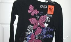 This pretty butterfly girls winter top is brand new.