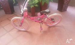 GIRLS BIKE. BIT OF RUST OTHERWISE IN GOOD CONDITION.