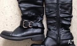 Nice girls leather boots size 13. excellent condition.