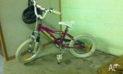Girls bike in very good condition. Ideal as a first