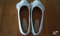 Girls Bridesmaid shoes (white with flowers) size 2