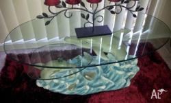 beautiful glass table selling due to buying a new one