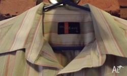 For sale is a Glo Weave Mens shirt. Cotton. Medium in