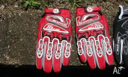 Motorbike gloves, all brand new, mostly kids sizes,
