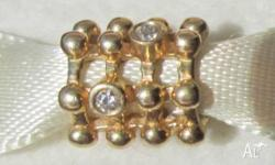Hi I am Selling, 1 x 14kt Gold and Diamond Charm