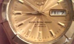 GOLD SEIKO 5 WATCH ONLY WANT $250 23 JEWELS WATER 50M