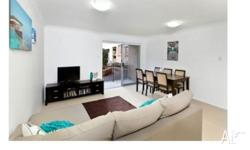 Ground floor beautifully renovated 2 bedroom unit for