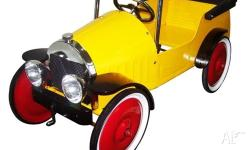 Great Gizmos Classic Pedal Car (Harry Yellow) This