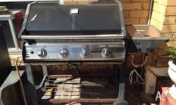 Great working 4 burners BBQ , CAN DELivery at extra