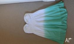 Size 10 Worn Twice Fully Lined Strapless Bustier/lace