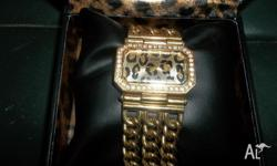 Guess watch genuine gold mens watch.VGC