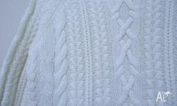 H&M LONG SLEEVES SWEATER, SIZE 38. WHITE COLOR. BRAND