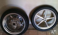 im selling a set of rocker c wheels, with