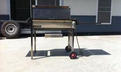 Highest Quality Stainless BBQ with side trays and lid