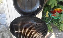 HINGED CLAM STYLE KETTLE BARBEQUE. Excellent Condition.