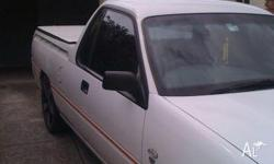 HOLDEN VSII UTE WHITE WITH RED STRIPE HARDTOP TOW BAR