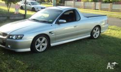 HOLDEN COMMODORE VZ SS UTE 6 SPEED MANUAL ULTRA PAINT