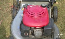 HONDA commercial Lawn Mower with catcher. 4-stroke.