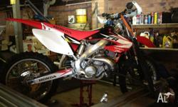 Honda CR250R 2003 in excellent condition, recent top