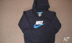Nike Hoodie for little boys size 2-3 in good condtion