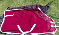 Maroon Weatherbeeta polar fleece rug 5'6, brand new in