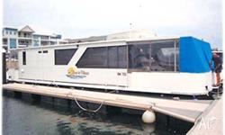 HOUSE BOAT, SHORE TO PLEASE Sleeps 4, gas BBQ, large