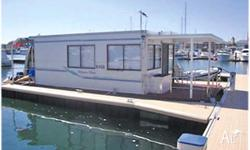 HOUSEBOAT REBECCA KATE, 10m, twin 25hp Mercruisers, TV,