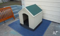 Large size dog house.Is 100 cm high 90 cm wide and 90