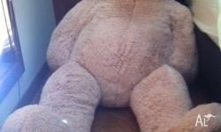 Big fluffy cream coloured teddy bear! It's essentially