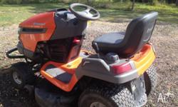 Husqvarna YTH 2042 Ride on Mower 2008. In excellent