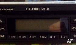 Selling a good condition genuine Hyundai car stereo/