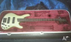 Hi I am selling my EDB600 bass, it is in excellent