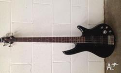 Ibanez GSR200 Electric Bass Guitar in black Used
