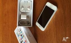 iPhone 5s 64gb white unlocked *Price NOT negotiable,