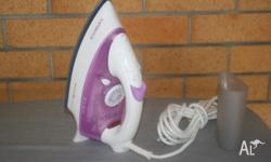 Kambrook steam iron perfect condition plus ironing boa
