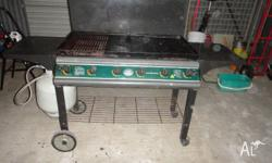 Jackaroo four burner BBQ auto/self ignition, with metal