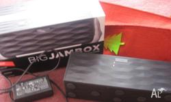 Hi Im selling my jawbone big jambox, it comes with all