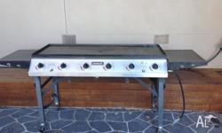 Jumbuck 6 burner BBQ Good condition Includes lid and