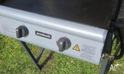 JUMBUCK BBQ AND GAS BOTTLE Excellent working 2 Burner