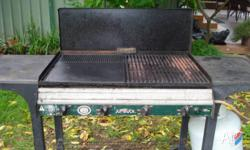 JUMBUCK BBQ, 4 burner works great, we are just down