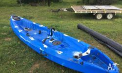 2 1/2 seater kakado kayak Minimal use, comes with ore