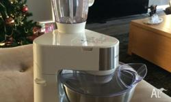 Kenwood mixer in excellent condition. Hardly used.