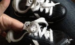 Genuine LEATHER Converse shoes/sneakers. Kids size US7,