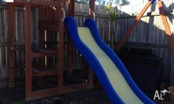 KIDS CUBBY HOUSE SWING SET FOR SALE (AS IS) ALSO HAS A