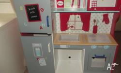 HI SELLING FOR A FRIEND HER KIDS KITCHEN TOY NEEDS 4 X