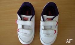 Kids pink & white Puma valcro shoe in excellent